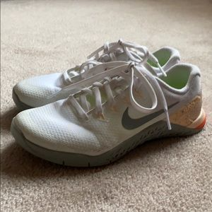 Nike Metcon 4 size 6 worn once
